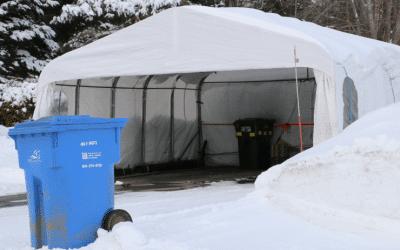 Éloignez votre abri d'auto hivernal de la voie publique
