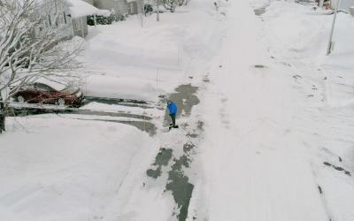 Une demande de permis est nécessaire pour pouvoir mettre de la neige sur la voie publique